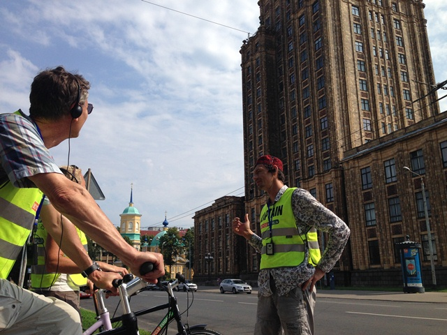 Guided bike tours riga Roberts